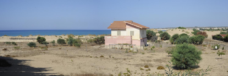 https://www.ragusanews.com//immagini_articoli/21-08-2014/la-casa-sulle-dune-500.jpg