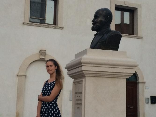 http://www.ragusanews.com//immagini_articoli/21-08-2014/svelato-il-monumento-all-ing-scimone-500.jpg