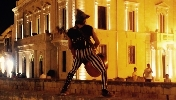 http://www.ragusanews.com//immagini_articoli/21-08-2017/svelato-show-segreto-crocevia-scicli-100.jpg