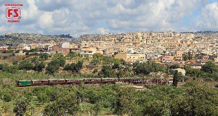 https://www.ragusanews.com//immagini_articoli/21-08-2018/comiso-treno-storico-gusto-240.jpg