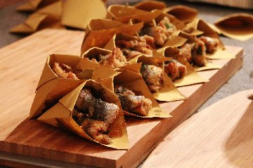 https://www.ragusanews.com//immagini_articoli/21-08-2018/street-food-milo-cibo-strada-240.jpg