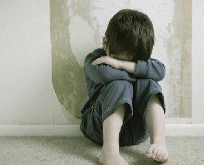 https://www.ragusanews.com//immagini_articoli/21-08-2019/genitori-violenti-bambini-tenuti-a-casa-in-un-lager-240.jpg