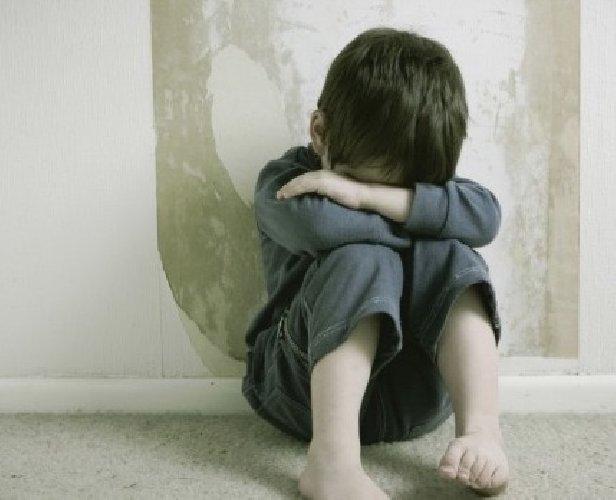https://www.ragusanews.com//immagini_articoli/21-08-2019/genitori-violenti-bambini-tenuti-a-casa-in-un-lager-500.jpg
