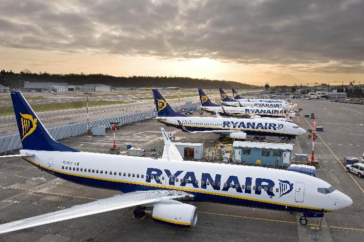 https://www.ragusanews.com//immagini_articoli/21-09-2017/cancellazione-voli-ryanair-ferie-arretrate-fuga-piloti-500.jpg