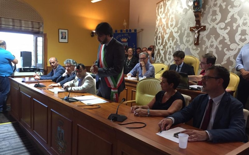Vittoria, voto di scambio politico-mafioso arrestato l'ex sindaco del Pd Giuseppe Nicosia