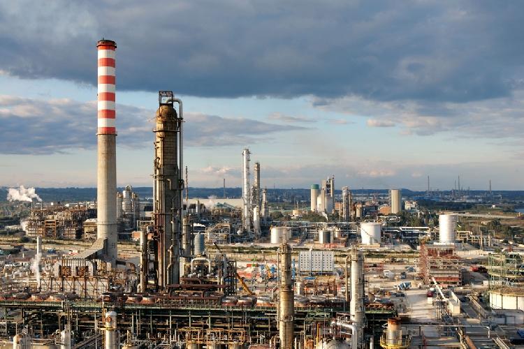 Lukoil valuta la vendita della raffineria Isab di Priolo-Melilli?