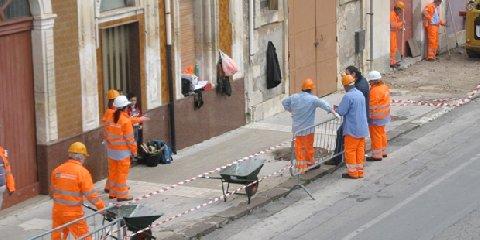 https://www.ragusanews.com//immagini_articoli/21-09-2018/modica-bando-cantieri-servizio-240.jpg
