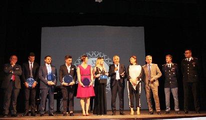 https://www.ragusanews.com//immagini_articoli/21-09-2018/premio-modicanita-2018-240.jpg