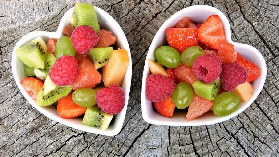 https://www.ragusanews.com//immagini_articoli/21-09-2019/dieta-biologica-in-cosa-consiste-e-cosa-mangiare-500.jpg