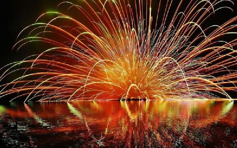 https://www.ragusanews.com//immagini_articoli/21-09-2019/marina-di-ragusa-i-fuochi-d-artificio-addio-all-estate-in-webcam-500.jpg
