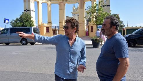 https://www.ragusanews.com//immagini_articoli/21-09-2021/ciak-si-gira-makari-2-lamanna-il-nuovo-montalbano-siciliano-280.jpg