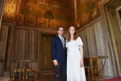 https://www.ragusanews.com//immagini_articoli/21-09-2021/l-erede-borbone-e-la-principessa-nozze-reali-in-sicilia-280.jpg