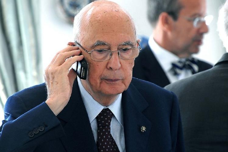 https://www.ragusanews.com//immagini_articoli/21-10-2014/presidente-su-falcone-e-la-mafia-ho-qualcosa-da-dirle-500.jpg