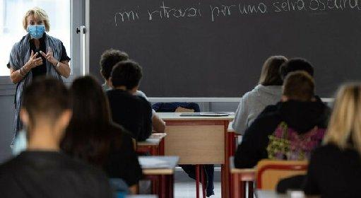 https://www.ragusanews.com//immagini_articoli/21-10-2020/sicilia-2-alunni-e-un-prof-positivi-al-covid-chiuso-liceo-280.jpg