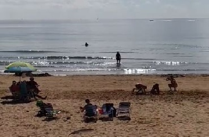 https://www.ragusanews.com//immagini_articoli/21-10-2021/marina-di-ragusa-l-eterna-estate-video-280.jpg