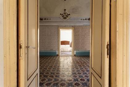 https://www.ragusanews.com//immagini_articoli/21-10-2021/vendesi-palazzi-storici-nobiliari-per-sentirsi-principi-foto-280.jpg