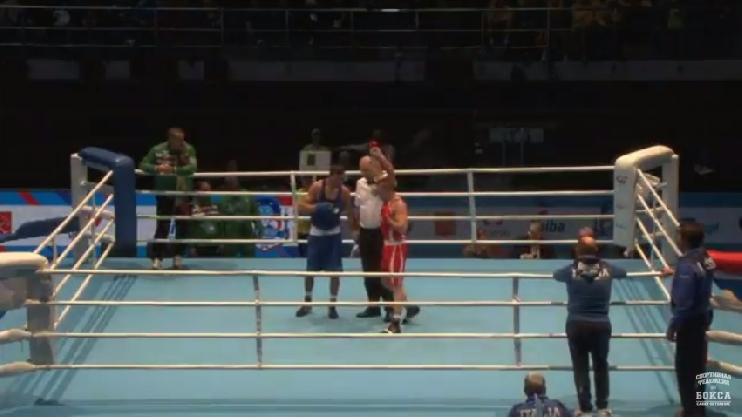 http://www.ragusanews.com//immagini_articoli/21-11-2016/campionati-di-boxe-a-san-pietroburgo-francesco-iozia-passa-agli-ottavi-420.jpg