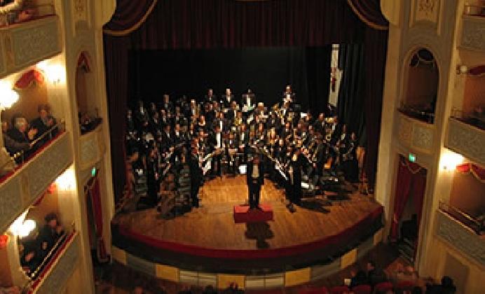 https://www.ragusanews.com//immagini_articoli/21-11-2016/civica-filarmonica-di-modica-concerto-di-santa-cecilia-420.jpg