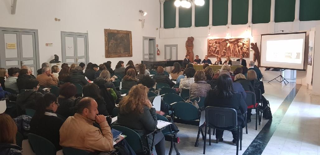 https://www.ragusanews.com//immagini_articoli/21-11-2017/docenti-modicani-scuola-differenziata-500.jpg