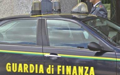 https://www.ragusanews.com//immagini_articoli/21-11-2018/ragusa-mafia-scommesse-online-ordinanza-cautelare-indagati-240.jpg