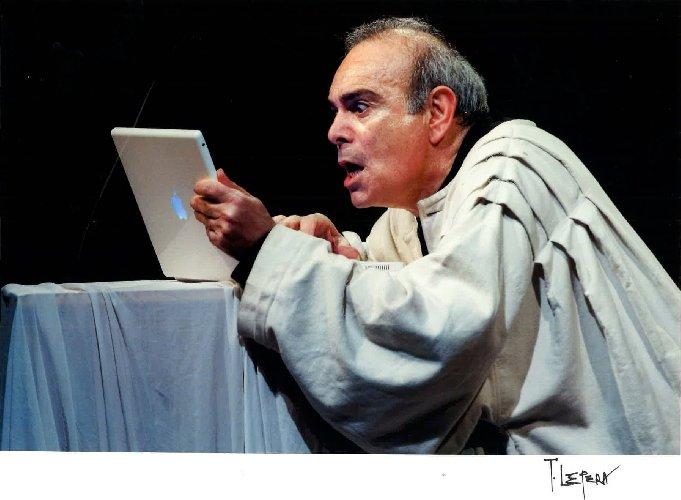 https://www.ragusanews.com//immagini_articoli/21-11-2019/andrea-tidona-in-teatro-a-ragusa-500.jpg