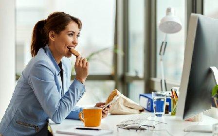 https://www.ragusanews.com//immagini_articoli/21-11-2020/dieta-e-smart-working-il-menu-settimanale-per-chi-lavora-da-casa-280.jpg
