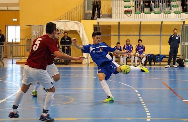 https://www.ragusanews.com//immagini_articoli/21-12-2014/calcio-a-5-scicli-primo-500.jpg