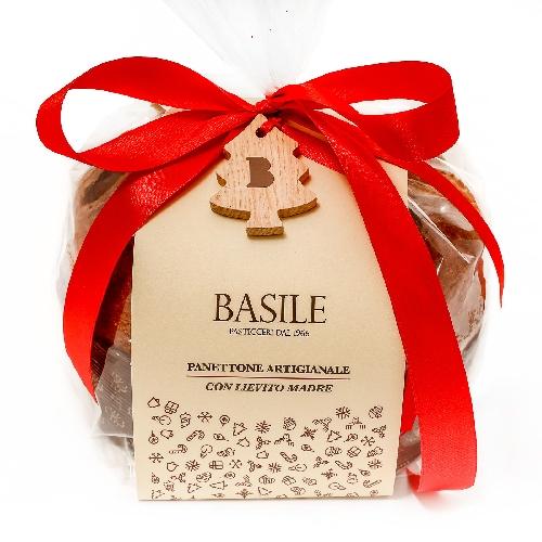 http://www.ragusanews.com//immagini_articoli/21-12-2014/il-panettone-di-basile-pasticceri-una-tradizione-che-unisce-l-italia-500.jpg