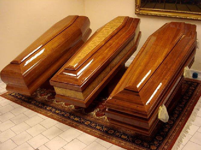 https://www.ragusanews.com//immagini_articoli/21-12-2017/paterno-uccide-persone-fargli-funerali-arresto-500.jpg