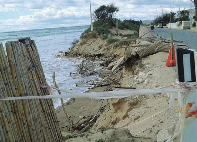 https://www.ragusanews.com//immagini_articoli/21-12-2018/ispica-seminario-scientifico-erosione-costiera-500.jpg