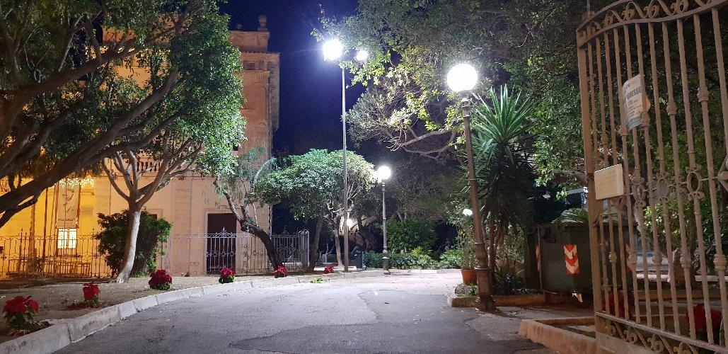 https://www.ragusanews.com//immagini_articoli/21-12-2018/pozzallo-riappropria-villa-500.jpg