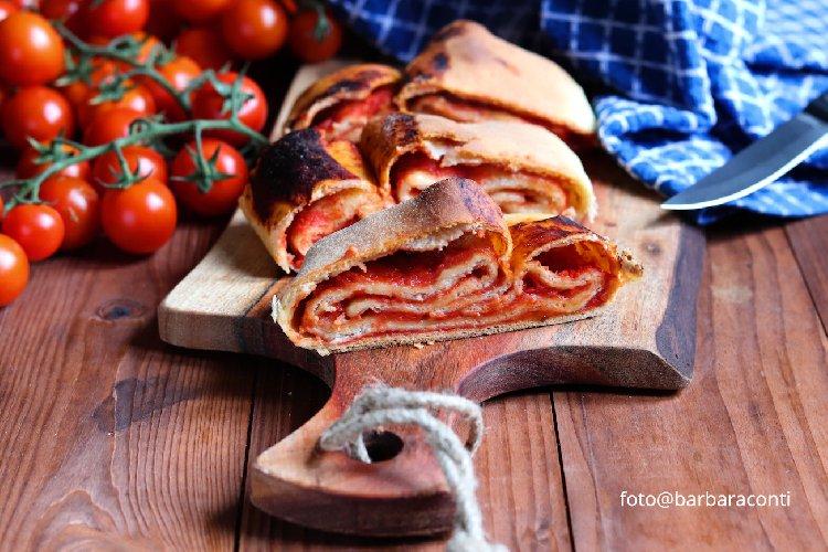 https://www.ragusanews.com//immagini_articoli/21-12-2019/1576965420-cosa-mangiare-a-scicli-per-le-feste-di-natale-3-500.jpg