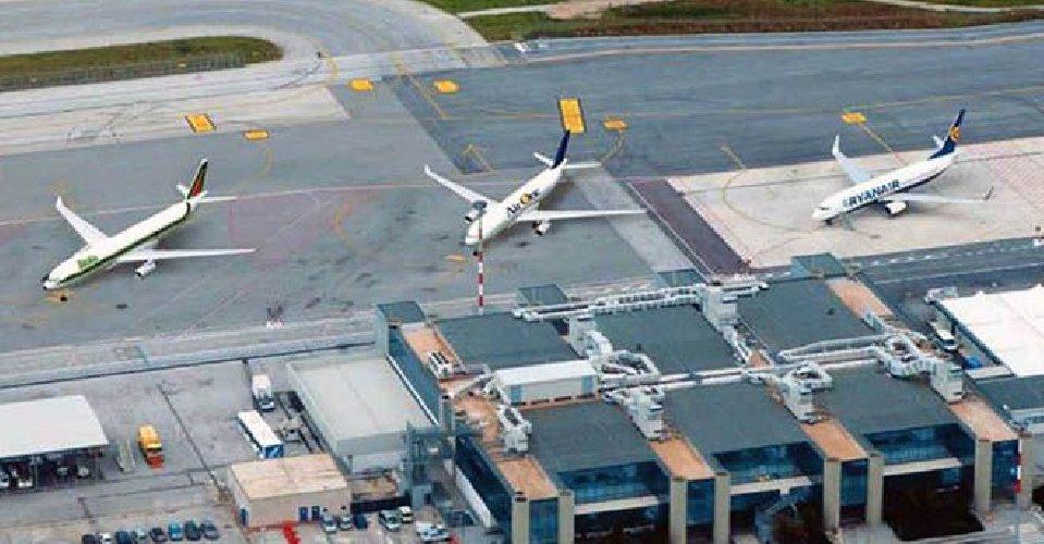 https://www.ragusanews.com//immagini_articoli/21-12-2019/aeroporti-giunta-regionale-9-milioni-per-lo-scalo-di-trapani-500.jpg