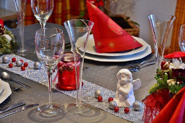 https://www.ragusanews.com//immagini_articoli/21-12-2019/pranzo-di-natale-piatti-semplici-e-gustosi-segno-tradizione-500.jpg