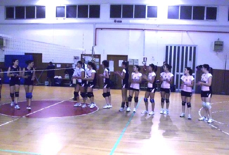 http://www.ragusanews.com//immagini_articoli/22-01-2011/due-vittorie-per-la-siklani-under-16-500.jpg