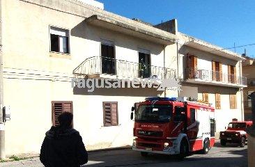 http://www.ragusanews.com//immagini_articoli/22-01-2018/scicli-prova-coperta-elettrica-incendia-letto-240.jpg