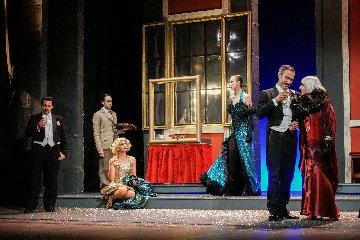 https://www.ragusanews.com//immagini_articoli/22-01-2019/piace-pivetti-attrice-teatro-modica-240.jpg
