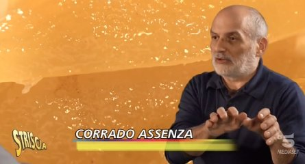 https://www.ragusanews.com//immagini_articoli/22-01-2020/dolci-siciliani-il-modicano-corrado-assenza-a-striscia-la-notizia-240.jpg
