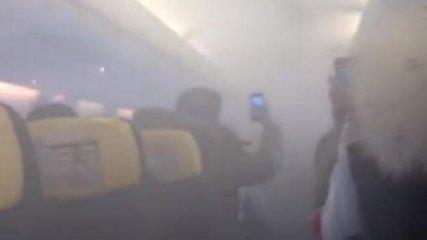 https://www.ragusanews.com//immagini_articoli/22-01-2020/panico-volo-ryanair-fumo-in-cabina-e-atterraggio-d-emergenza-video-240.jpg