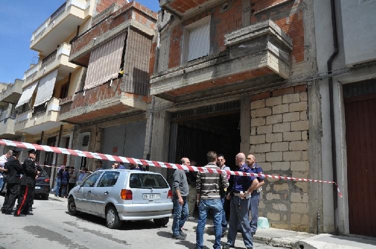 http://www.ragusanews.com//immagini_articoli/22-02-2014/caso-guarascio-vittoria-da-la-cittadinanza-onoraria-ai-due-poliziotti-feriti-500.jpg