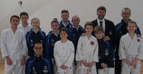 http://www.ragusanews.com//immagini_articoli/22-02-2015/dojo-karate-do-shotokan-alla-undicesima-coppa-sicilia-240.jpg