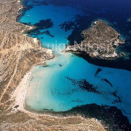 http://www.ragusanews.com//immagini_articoli/22-02-2017/spiaggia-isola-conigli-bella-italia-420.jpg