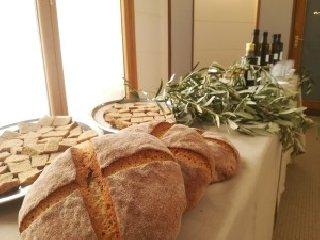 https://www.ragusanews.com//immagini_articoli/22-02-2019/olio-oliva-siciliano-progetto-unione-europea-240.jpg
