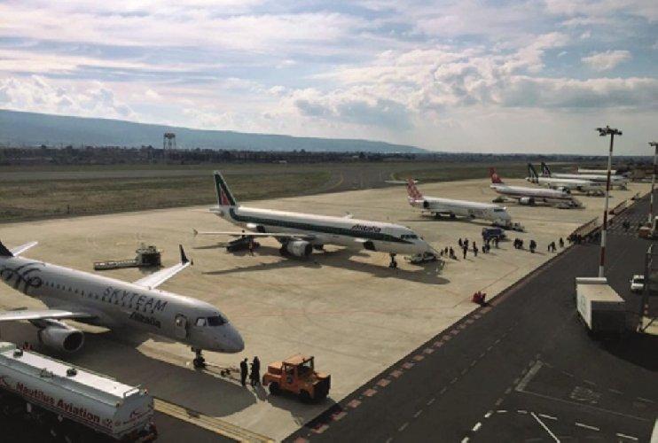 https://www.ragusanews.com//immagini_articoli/22-02-2019/riaperti-aeroporti-catania-comiso-500.jpg
