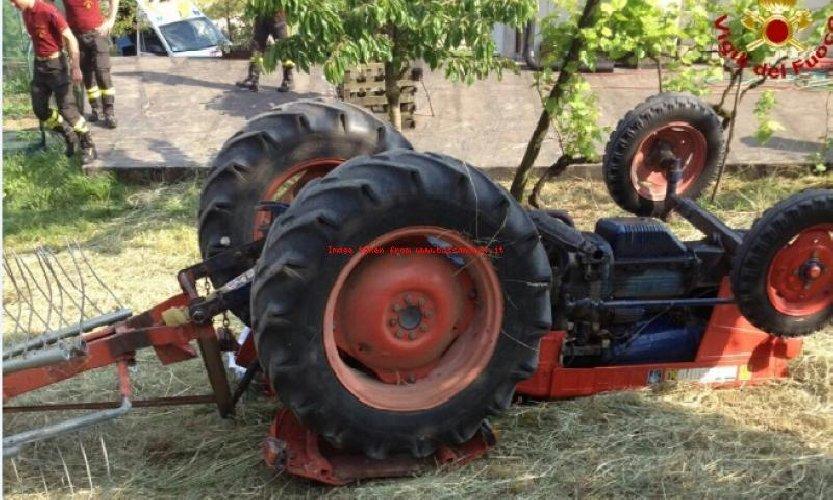 https://www.ragusanews.com//immagini_articoli/22-02-2021/finisce-sotto-trattore-muore-agricoltore-500.jpg