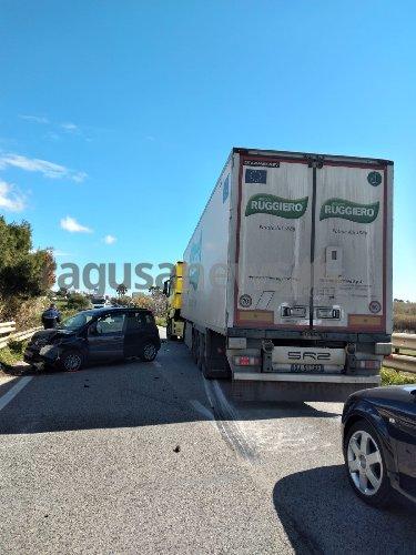 https://www.ragusanews.com//immagini_articoli/22-02-2021/incidente-sulla-sampieri-cava-d-aliga-500.jpg