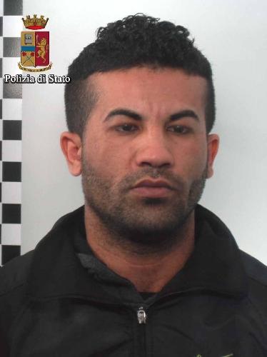 http://www.ragusanews.com//immagini_articoli/22-03-2016/maltrattava-la-ex-arrestato-500.jpg