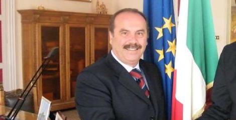 https://www.ragusanews.com//immagini_articoli/22-03-2018/ragusa-dimesso-presidente-corfilac-240.png