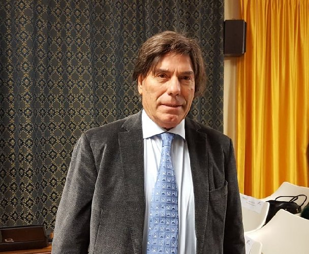 https://www.ragusanews.com//immagini_articoli/22-03-2020/damigella-scrive-a-conte-l-industria-marmo-in-ginocchio-500.jpg