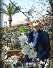 https://www.ragusanews.com//immagini_articoli/22-03-2020/i-75-anni-di-franco-battiato-e-la-nostra-solitudine-240.jpg